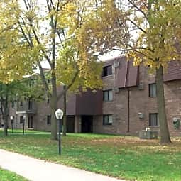 Sunrise Courts Apartments - Cambridge, Minnesota 55008