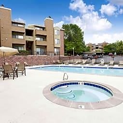 Silver Reef - 3 blocks from new light rail! - Lakewood, Colorado 80228