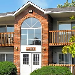 Oakwood Apartments - Olmsted Falls, Ohio 44138