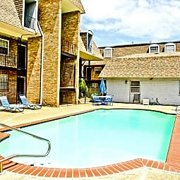 Belle Oak Apartments - Metairie, Louisiana 70001