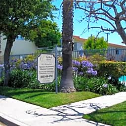 Seabreeze Apartments - Oxnard, California 93033