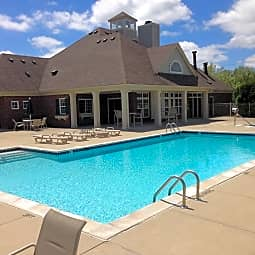 The Fairways at Woodfield Apartments - Grand Blanc, Michigan 48439