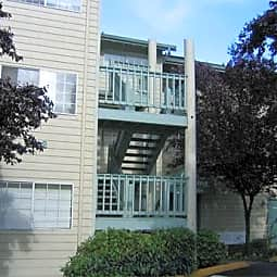 Capitol Crossing Apartments - Olympia, Washington 98501