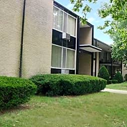 Sherwood Heights Apts & Townhomes - Detroit, Michigan 48221