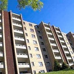 Carriage Park Apartments - Pittsburgh, Pennsylvania 15220