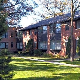Sunset Park Apartments - Highland Park, Illinois 60035
