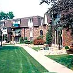 Burnwood Apartments - Lombard, Illinois 60148