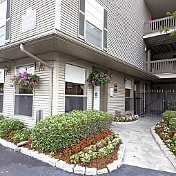 Covington Square Apartment Homes - Metairie, Louisiana 70001