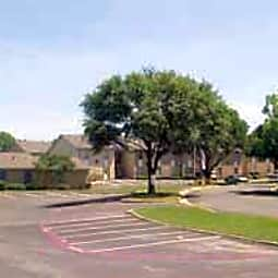 Shady Valley Square Apartment Homes - Arlington, Texas 76013