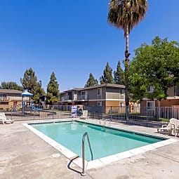 Stoney Brook Apartments - Fresno, California 93727