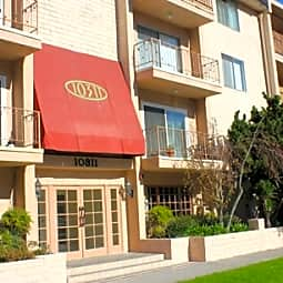 Toluca Plaza Apartments - Toluca Lake, California 91602