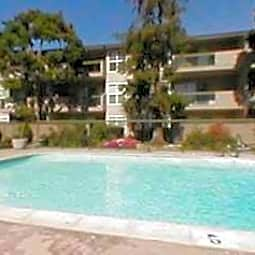 Redwood Plaza Apartments - Fremont, California 94536