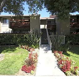 Vista Pointe Apartment Homes - Covina, California 91724