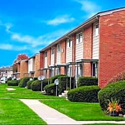 Village Green of Wyandotte Townhomes - Southgate, Michigan 48195