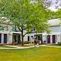 Stonewood Village Apartments - Madison, Wisconsin 53714