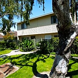 Union North Apartments - Manteca, California 95337