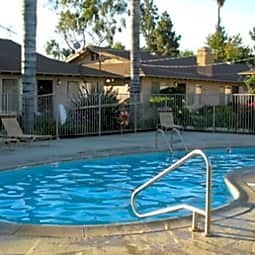 Regal Court Apartments - Whittier, California 90605