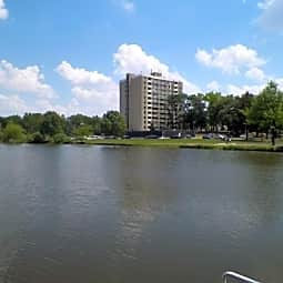 LAKE VIEW RESIDENCES - Aurora, Illinois 60505
