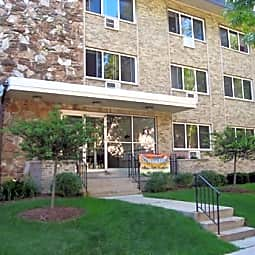 Belleview Park Apartments - Milwaukee, Wisconsin 53211
