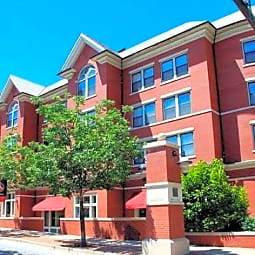 Quality Hill Apartments - Kansas City, Missouri 64105