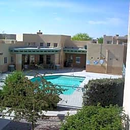 Vista Linda Apartments - Santa Fe, New Mexico 87505
