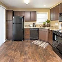 Foxboro and Ashworth Pointe Townhomes - West Des Moines, Iowa 50266
