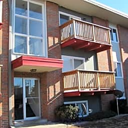 Holiday Hills Apartments - Merriam, Kansas 66202