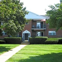 Fox Meadow Apartments - Whitehall, Pennsylvania 18054