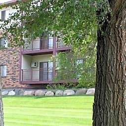 Pointe West Apartments - Saint Cloud, Minnesota 56301