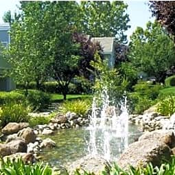 Lake Pointe Apartments - Folsom, California 95630