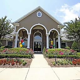 The Pointe at Chapel Hill - Chapel Hill, North Carolina 27514