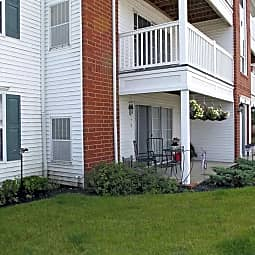 Parkwood Village Apartments - Brunswick, Ohio 44212