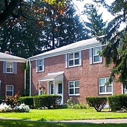 Crestwood Townhomes - Troy, New York 12180