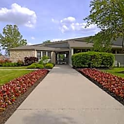 Deercross Apartments - Indianapolis, Indiana 46254