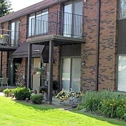 Maplecrest Apartments - Birmingham, Michigan 48009