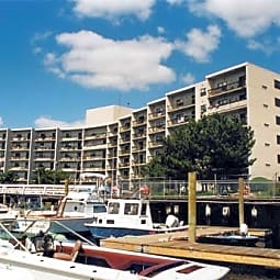 Clipper Apartments - Quincy, Massachusetts 2169