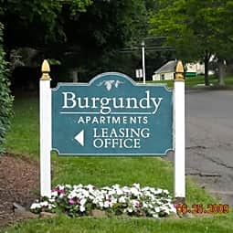 Burgundy Apartments - Middletown, Connecticut 6457