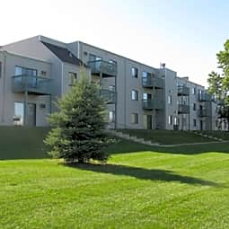 Woodmere Apartments - Woodbury, Minnesota 55125