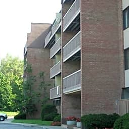 Edgewater Apartments - Indianapolis, Indiana 46220