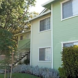 Greens Apartments - Woodland, California 95695