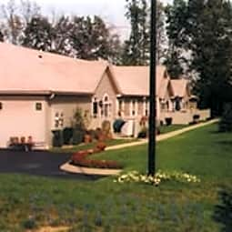 The Meadows Ranch Apartments - New Castle, Pennsylvania 16105