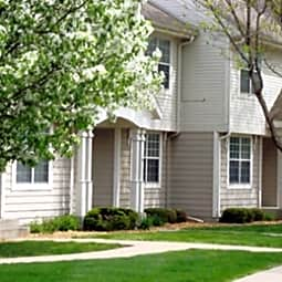 Foxboro Townhomes - West Des Moines, Iowa 50266