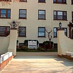 Les Gertrude Apartments - Red Bank, New Jersey 7701