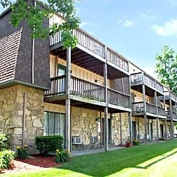 Bloomfield Apartments - Columbus, Indiana 47203