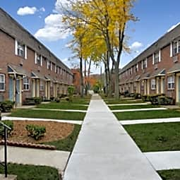Bishop / Stratford Court Apts. - Stratford, New Jersey 8084