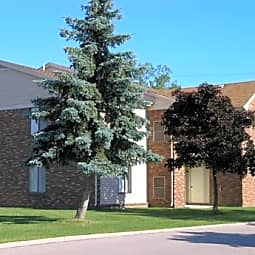 Greenwoods Apartments - Farmington Hills, Michigan 48335