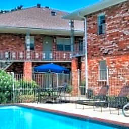 Edenborn Courts & Gardens Apartments - Metairie, Louisiana 70002