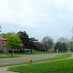 Brownstown Square Apartments - Brownstown, Michigan 48174