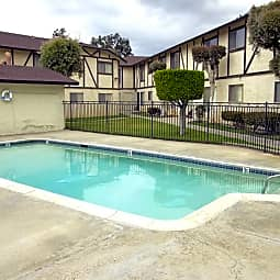 Doriana Apartments - San Diego, California 92139