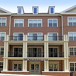 The Metropolitan at Village at Leesburg - Leesburg, Virginia 20175